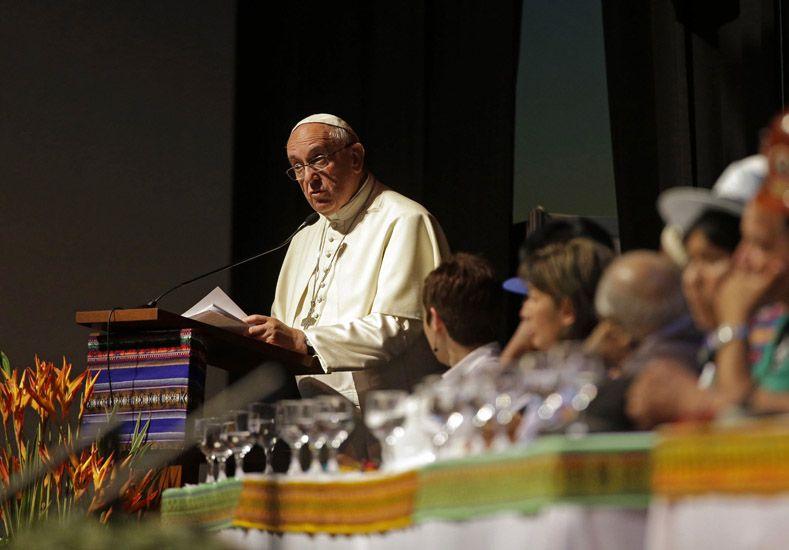 El Papa pidió perdón por los crímenes de iglesia contra los pueblos originarios de América