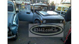 Murió el conductor de un auto que chocó contra un camión de Bomberos en Concepción