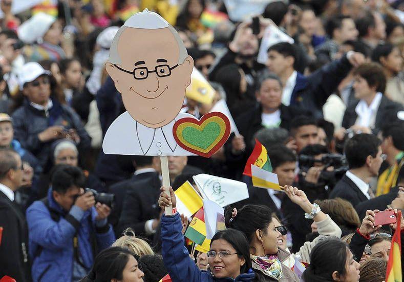 Una mujer vio pasar al papa Francisco y murió de un paro cardiaco
