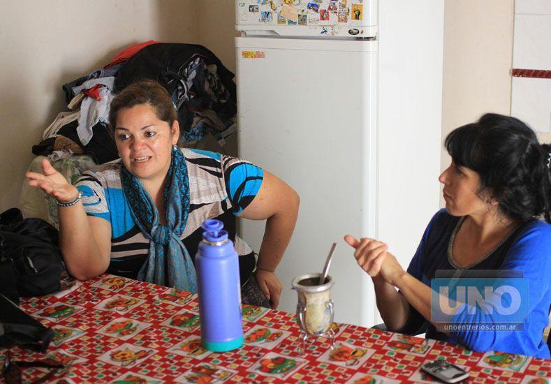 Por los chicos. Mónica Olivera -a la izquierda- convoca al festejo. Foto UNO/Juan Ignacio Pereira