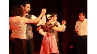 De arrabal. El espectáculo revive el ambiente milonguero y sus fiestas canyengues.  Foto Gentileza: Gabriela Trevisani