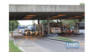 Tránsito. Los automovilistas deberán extremar la precaución. Foto UNO/Juan Ignacio Pereira