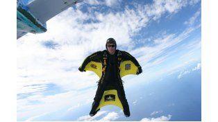 Murió el paracaidista conocido como el 'hombre pájaro'