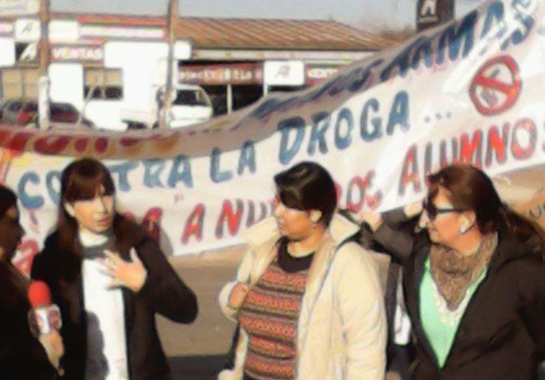 Escuelas de la zona este de Paraná se manifestaron contra la violencia
