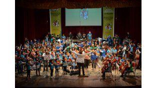 Encuentro. Más de 500 niños compartieron su música y sueños.