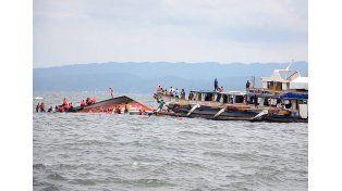 Filipinas: Al menos 36 muertos tras volcar un ferry con 173 personas a bordo