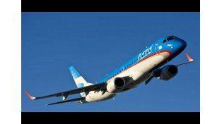 Un avión que volaba hacia Paraná debió aterrizar de emergencia por una falla hidráulica