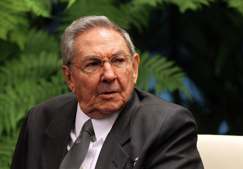 Raúl Castro exige el fin del bloqueo y la devolución de Guantánamo
