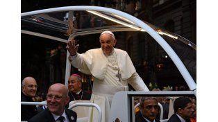 Visita papal: En Paraguay esperan la llegada de unos 1.000 micros desde Argentina