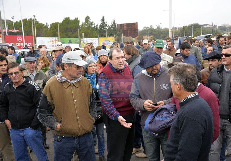Productores se reunieron con el gobernador y este martes vuelven a la ruta