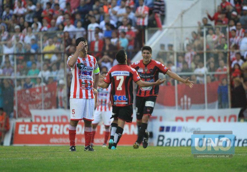 Pablo Lencioni tuvo una chance clara para marcar en el PT. Foto UNO/Juan Ignacio Pereira