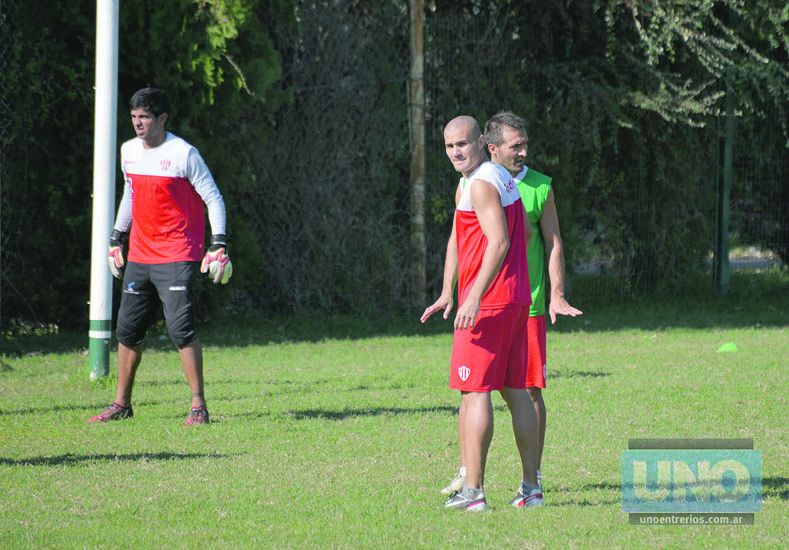 Cozzoni entendió que la presión en el clásico estará en la espaldas de los dos equipos.  Foto UNO/Mateo Oviedo