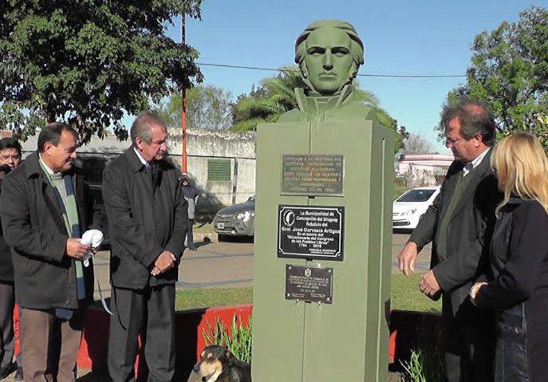 Acto protocolar. La figura de Artigas y la Liga de los Pueblos Libres se unieron a festejos locales.