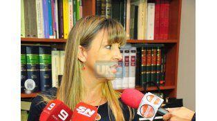 La jueza Paola Firpo contestó las preguntas de la prensa.