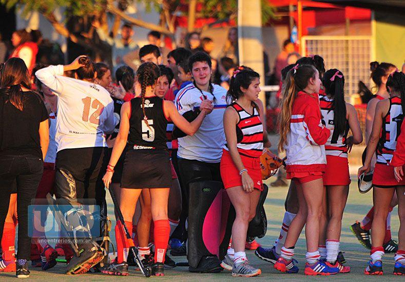 Las chicas del elenco que dirige Martín Vich terminaron invictas a pesar de perder en los penales.   Foto UNO/Juan Manuel Hernández