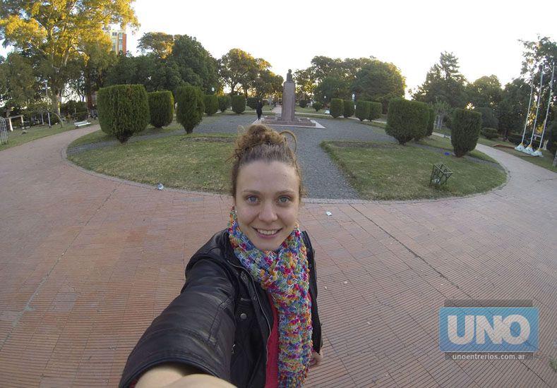 En la Plaza Sáenz Peña de Paraná.  Producción fotográfica: Diego Arias