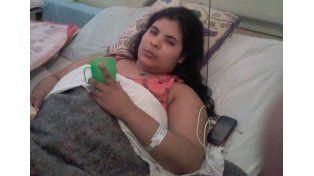 Con fe. La joven está internada en el hospital Tránsito Cáceres.