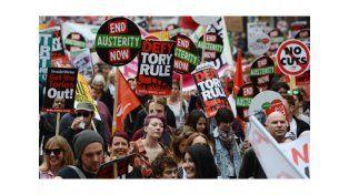Unas 250.000 personas protestaron contra los recortes de Cameron, en Londres