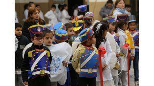 Actores. Los chicos de 2º grado representaron la jura. (Foto UNO/Diego Arias)