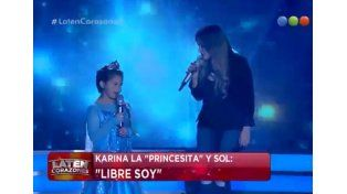 Karina la Princesita y su hija emocionaron con su canto