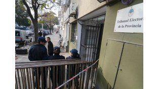 Santa Fe: se escrutaron 1.300 urnas de seis departamentos y se abrieron alrededor de 30