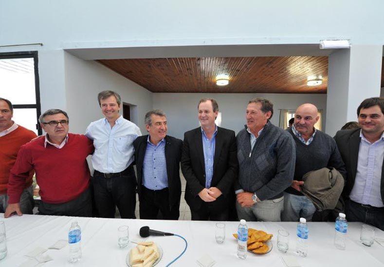 El gobernador presentó las listas de candidatos del FPV en Nogoyá y Tala