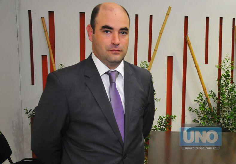 Acercamiento. Agustín González