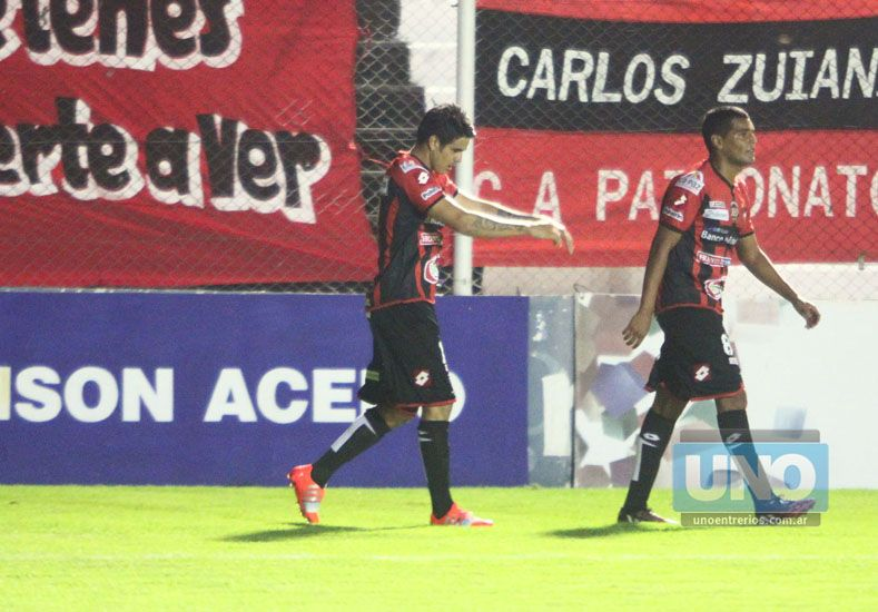 """El concordiense festeja un nuevo gol en Patronato. """"No hicimos un buen partido"""""""