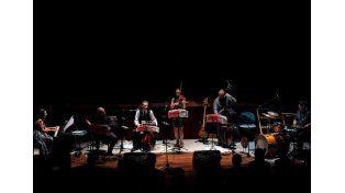 Con sentimiento. Tango Infinito fusiona la música ciudadana con rock