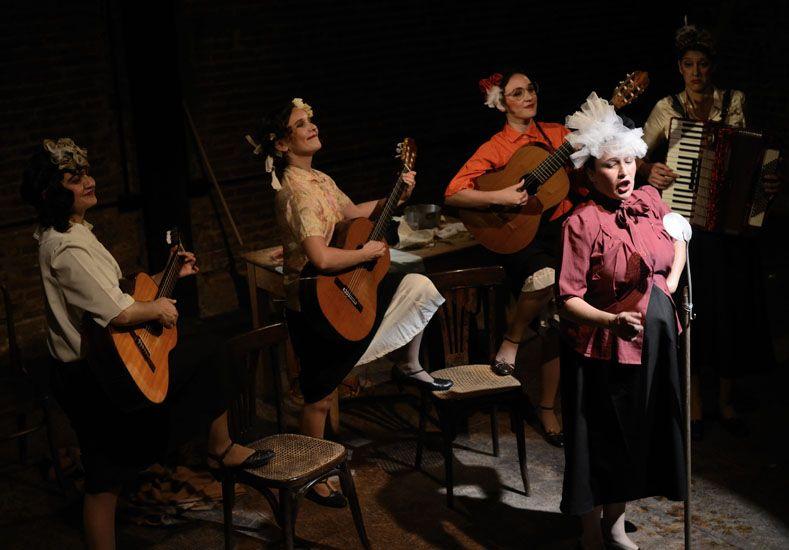 Tangueras. La obra homenajea a las mujeres que no llegaron a triunfar en el ambiente del tango.
