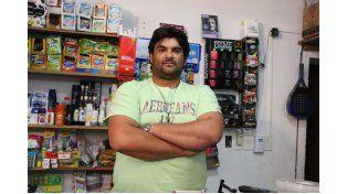 Le robaron 50 mil pesos al kiosquero que hace un mes echó a empujones a ladrones