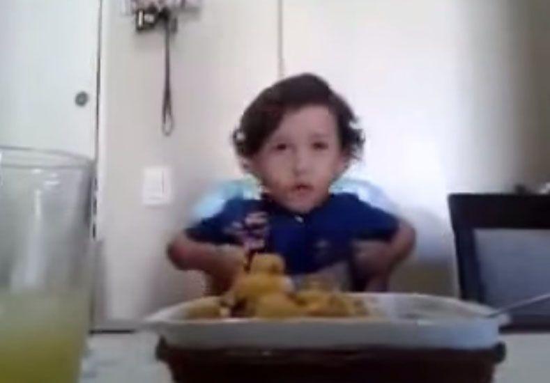 Sabias palabras de un niño tan pequeño. Foto: Captura de video.
