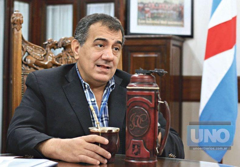 A través de Facebook, Cáceres anunció que será candidato a senador
