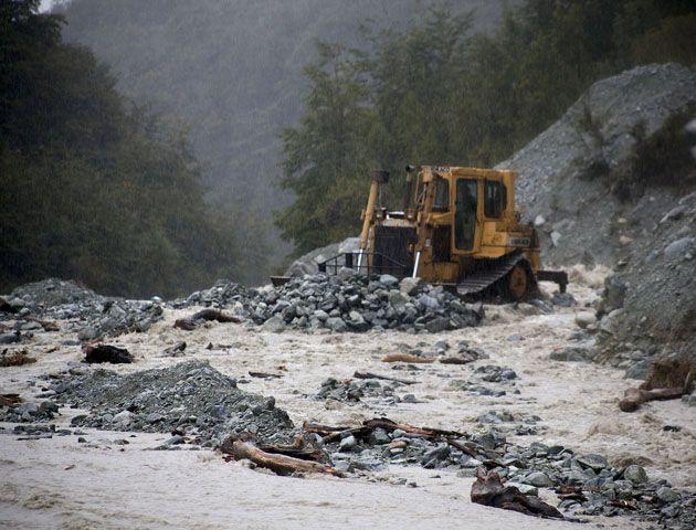Dejó de llover en Bariloche y la situación se normaliza tras el alud de barro y piedras