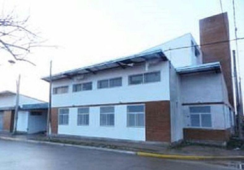 Alumnos y docentes de una escuela de Concordia reclamaron la entrega del edificio
