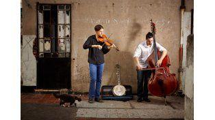 Multicultural. El dúo está conformado por un estadounidense y un argentino.