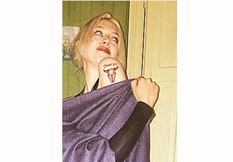 Militta Bora se hizo un tatoo que dice Daniel