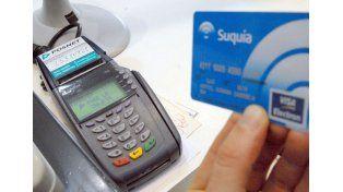 Gravamen. Cobran por exhibir obleas de tarjetas de crédito.