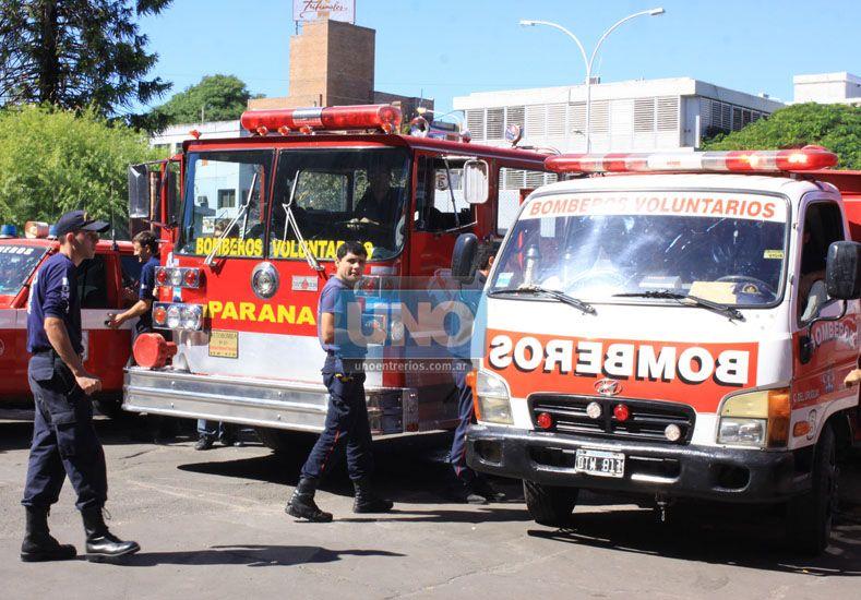 Foto: Bomberos Voluntarios frente a Casa de Gobierno. (Foto: Archivo UNO/Ilustrativa)