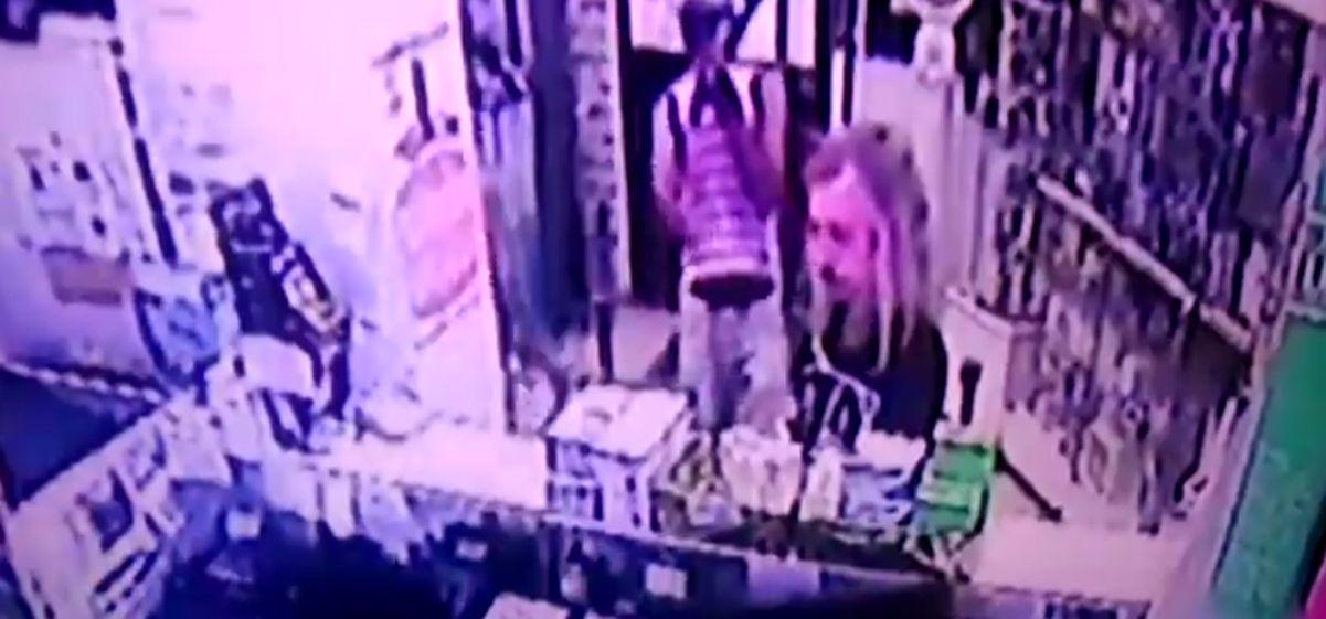 Diego Capusotto, testigo de un robo en una farmacia
