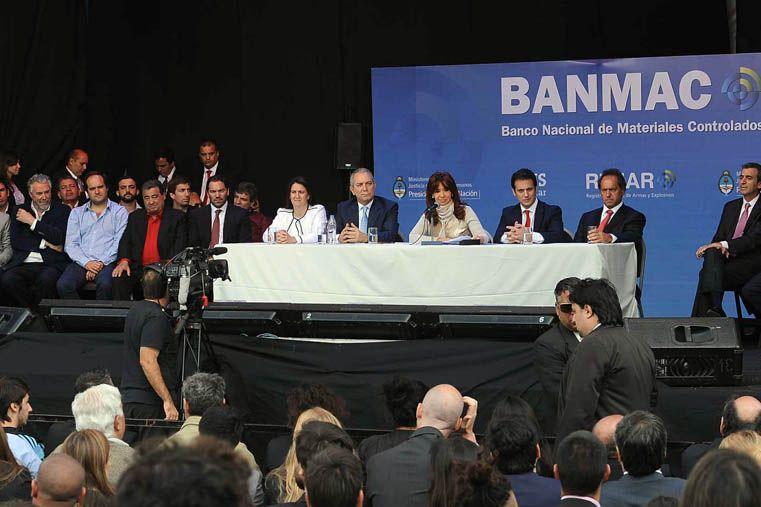 La Presidenta destacó la decisión de llevar adelante una política de desarme en el país
