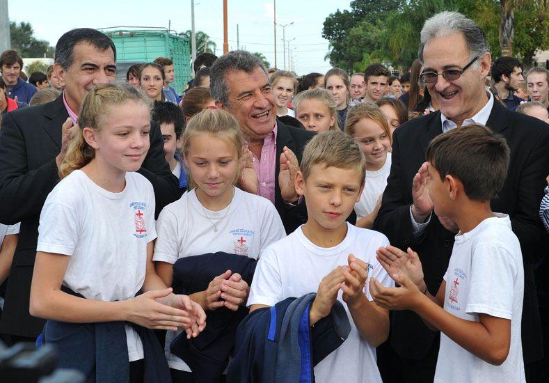 Inauguraron el acceso al balneario de Valle María