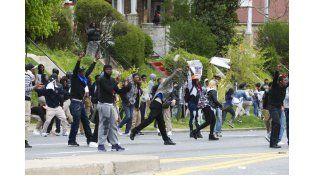 Siete policías heridos por disturbios en Baltimore