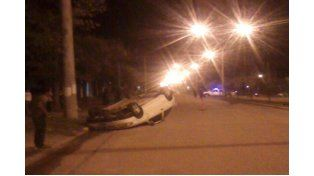 Volcó una camioneta en la Autovía 14