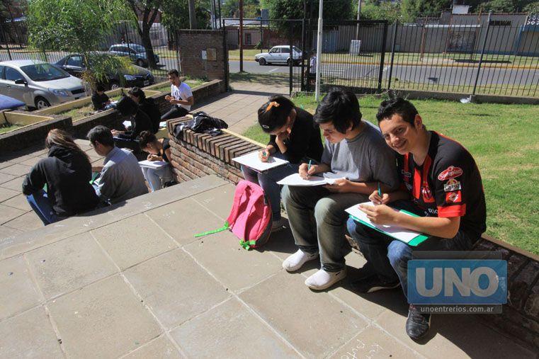 Escuela. Los jóvenes despiertos hacen preguntas comprometedoras.   Foto UNO/Juan Ignacio Pereira