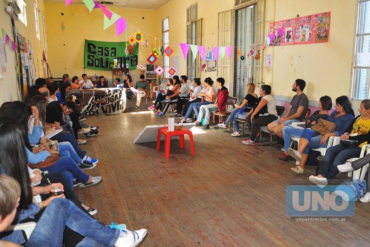 Jornada. Ayer se reunieron voluntarios que buscan generar vínculos más humanos y solidarios. Foto UNO/Juan Manuel Hernández
