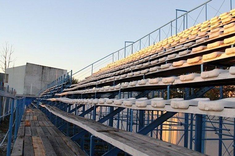 De estreno. Juventud Unida de Gualeguaychú estrenará mañana una nueva tribuna en el cotejo ante Atlético Tucumán.