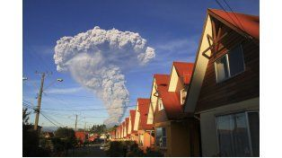 En Chile advierten por una posible erupción más agresiva del volcán Calbuco