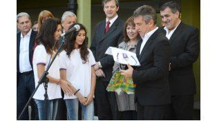 Urribarri inauguró un nuevo edificio escolar en Paraná
