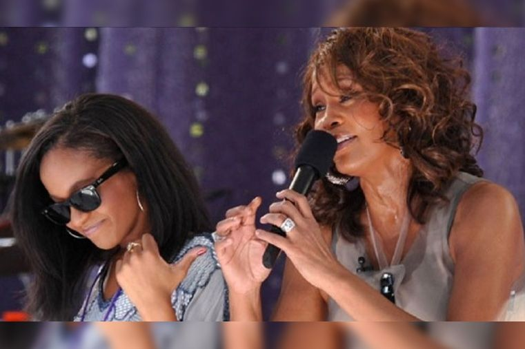 Se despertó del coma inducido la hija de Whitney Houston
